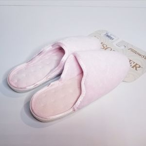 isotoner Shoes - Isotoner Pink Slippers Pillow Step Size 7.5/8
